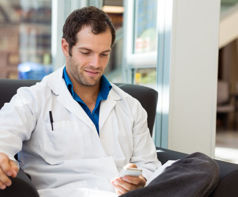 doctor searching mobile jobs